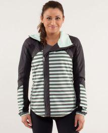 lululemon-run-get-up-and-glow-jacket-reflective-360-sea-stripe-mint-moment-black-black-9146-71188